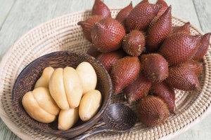 Salakfrüchte schmecken lecker und enthalten nur wenige Kalorien.