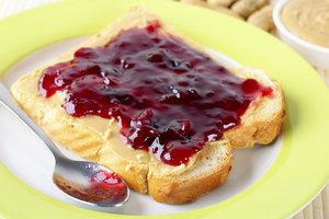 Marmelade kann mit verschiedenen Gelierzuckern gekocht werden.