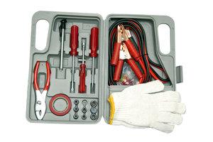 Das Starthilfekabel wird benötigt, um eine 6-V-Batterie mit einem 12-V-Ladegerät zu laden.