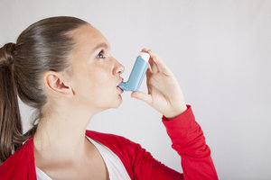 Ein Asthmatiker muss für einen Asthmaanfall gewappnet sein.