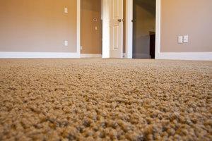 Nicht immer einfach: Türen und Teppiche in Kombination.