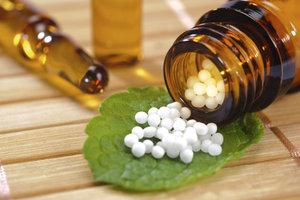 Homöopathie bei Scheinträchtigkeit hilft ohne Nebenwirkungen.