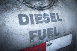 Moderne Dieselkraftstoffe dürfen nicht mit Benzin gemischt werden.