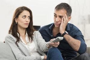 Der Streit um die Fernbedienung kann vermieden werden, wenn eine Sendung aufgenommen wird.