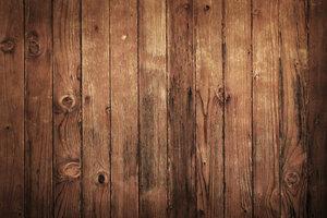 Alte Holzböden könnten für ein Wasserbett zu schwach sein.