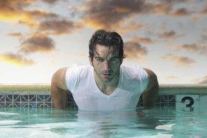 Mit Kleidung ist das Schwimmen sehr viel anstrengender.