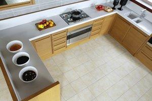 Um den Platz in Ecken zu nutzen, sind oft Küchenrondelle eingebaut worden.