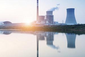 Atomkraftwerke gelten als Risikofaktor - Gudrun Pausewang schrieb ein Buch darüber.