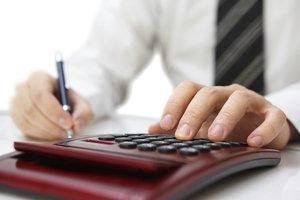 Nach einer guten Steuerberatung als Student, kann man die erste Steuererklärung machen.