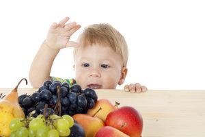Kleinkinder sollten auf den Verzehr von Weintrauben lieber verzichten.