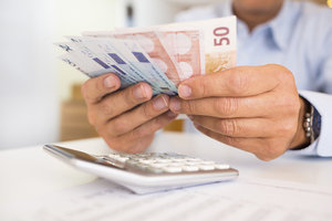 Lebenslange Sofortrente sorgt für regelmäßigen Geldnachschub im Alter.