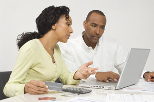 Vor der Betriebsprüfung zu Unrecht einbehaltene Umsatzsteuer erklären und bezahlen