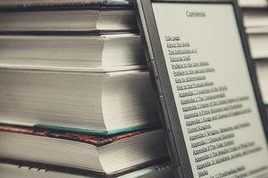 Ein E-Book-Reader ist eine sinnvolle Ergänzung zu herkömmlichen Büchern.