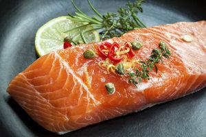 Lachs gehört zu den beliebtesten Fischsorten auf der Tafel.