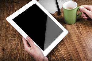 Displayschutzfolien schützen Bildschirme vor Schäden und Verschmutzungen.
