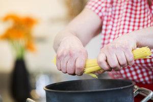 Sauerkraut-Spaghetti sind ungewöhnlich, aber lecker.