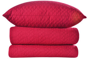 Dünne Decken aus Seersucker sind ideal im Wasserbett.