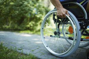 Auch Schwerbehinderte nehmen am Erwerbsleben teil.