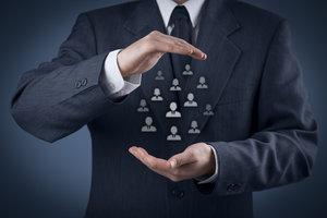 Bei einer Geschäftsversicherung sollte der Profi den Versicherungsbedarf ermitteln.