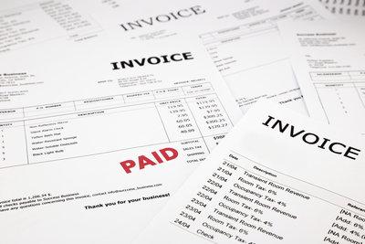 Die Verbindlichkeit eines Kostenvoranschlags ist nicht gegeben. Unternehmen dürfen etwas abweichen.