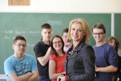 Als Lehrer können Sie verbeamtet werden.