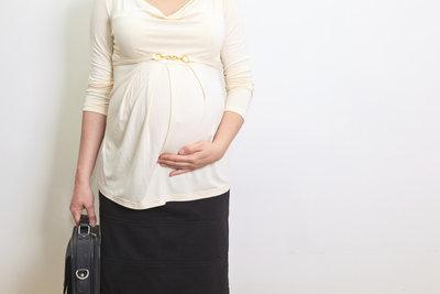 In der Schwangerschaft gelten Arbeitszeitbeschränkungen.