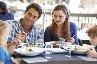 Nicht jeder isst gern mit anderen zusammen.