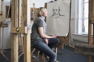 Zeichnen und Malen nach Live-Vorbild stellt andere Ansprüche als freies Malen.