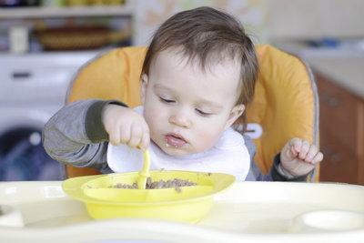 Mit Fleisch im Babybrei erhält Ihr Kind die wichtigen Spurenelemente Eisen und Zink.
