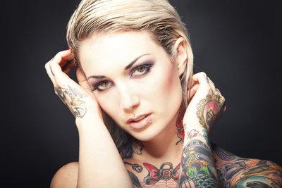 Motive für bunte Tattoos kennen kaum Grenzen.
