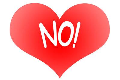 Solch ein Herz auf einem T-Shirt zeigt eindeutig, dass Sie kein Fan vom Valentinstag sind.