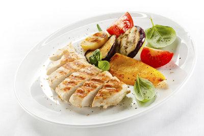 Aus Putenfilet zaubern Sie leckere und fettarme Gerichte.