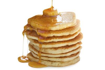 Pfannkuchen können Sie sehr vielseitig anrichten.