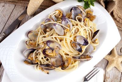 Kochen Sie sich leckere Spaghetti Vongole.