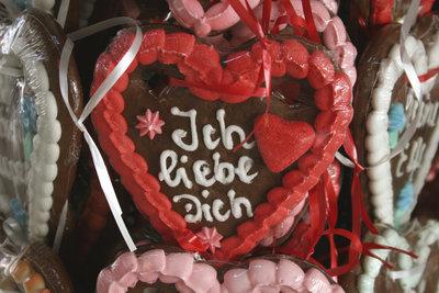 Zeigen Sie Ihre Liebe mit einem Lebkuchenherz.
