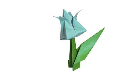 Eine wirkungsvolle Alternative zum allseits beliebten Kranich - die Origami-Tulpe.