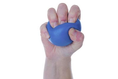 Ein Stressball hilft dabei, überschüssige Energie in Stresssituationen abzubauen.