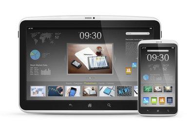 Whatsapp ist zwar für Smartphones und nicht für Tablets gedacht, läuft aber auch dort.