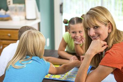 Individualisierte Monopoly-Spiele sind ein Spaß für Jung und Alt.