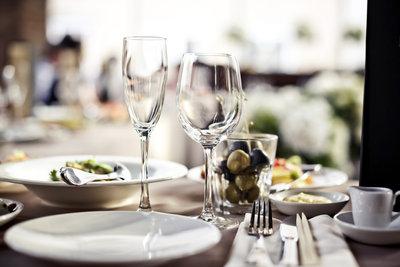 Erfreuen Sie Ihre Gäste mit einem einfachen Menü.