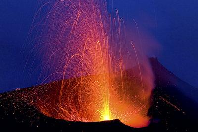 Vulkane sind  Berge des Feuers, doch nur rund 60 brechen jährlich aus.