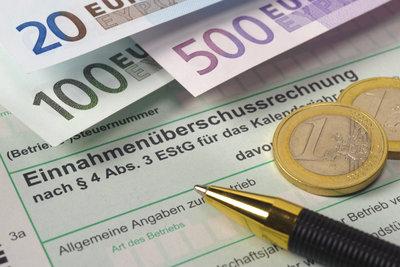 Mit der jährlichen Steuererklärung lassen sich viele Werbungskosten steuermindernd absetzen.