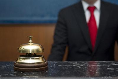 Als Hotelfachmann sollte kompetentes Auftreten und Gastfreundschaft in Ihrer Natur liegen.