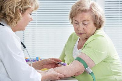 Bei einer Anämie sind verschiedene Blutuntersuchungen erforderlich.