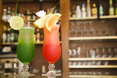 Leckere Cocktails sind zur Happy Hour besonders preiswert.
