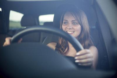Das Programm kann Sie bei den ersten Fahrversuchen auf der Straße unterstützen.