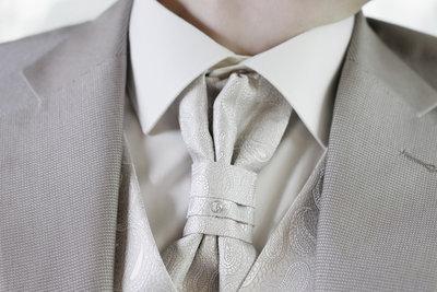 Ascot-Schals sind das Highlight eines jeden Gentleman-Oufits.