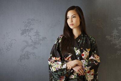 Kimonos sind ein traditionell japanisches Gewand, deren Bindetechnik eine Wissenschaft für sich ist.