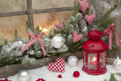 Schöne Deko stimmt auf die Weihnachtszeit ein und erfreut die ganze Familie.