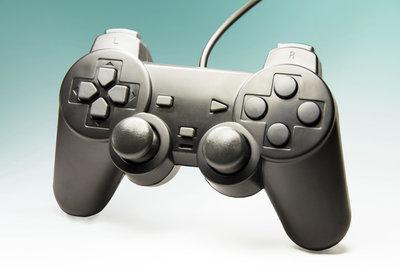 Das Spielen auf der PlayStation 4 ist zum großen Teil mit Kosten verbunden.